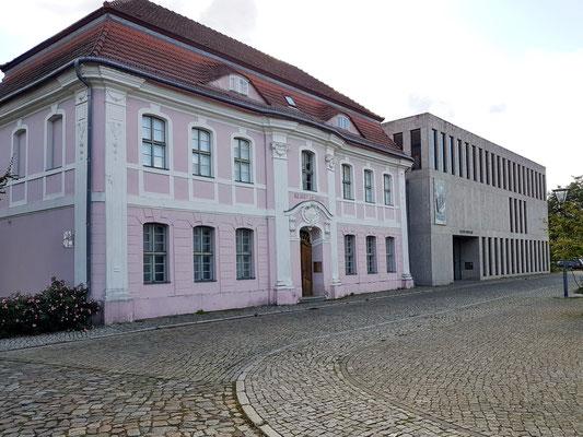 Altes Museum in der ehemaligen Garnisonsschule. Neubau von 2013