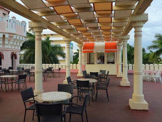 Cienfuegos. Dachterrasse des Palacio de Valle