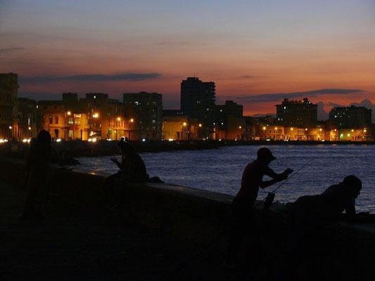 Malecón bei Abenddämmerung
