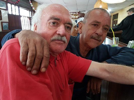Bernd mit kubanischer Bekanntschaft von 2015 in der Bar Buena Vista Social Club