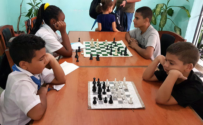 Schachspiel, eine Leidenschaft junger Kubaner