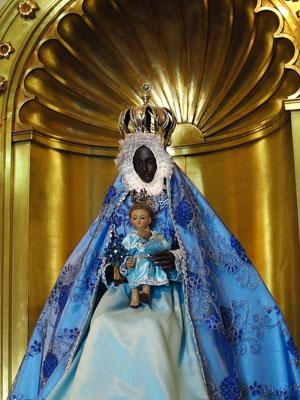 Iglesia de Nuestra Señora de Regla mit der schwarzen Virgen de la Regla (Göttin Yermayá des Santería-Kults)