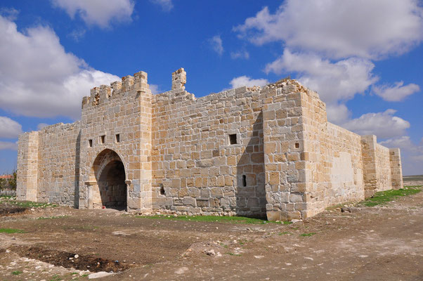 Seldschukische Karawanserei Obruk Hani, an der ehemaligen Handelsstraße Konya-Kayseri