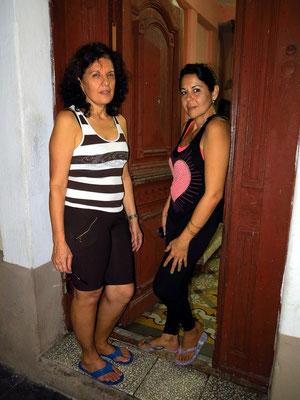 Zwei Frauen aus dem Blumengeschäft