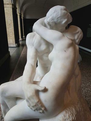 Auguste Rodin (1840-1917): Der Kuss, Marmor 1901-03