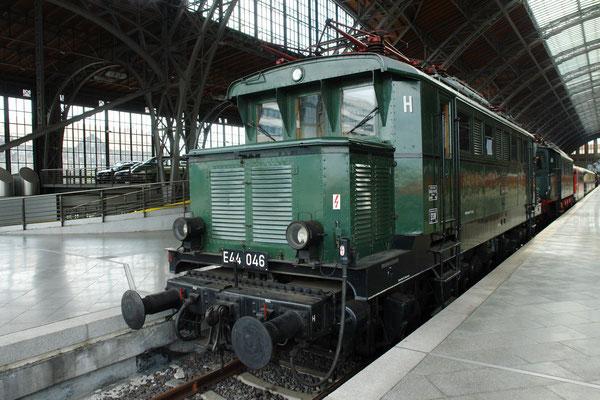 Baureihe E 44, erste Elektrolokomotivbaureihe in Deutschland, von der mehr als 100 Exemplare beschafft wurden. (2.9.2006)