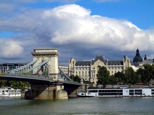 Gresham-Palast und Kettenbrücke