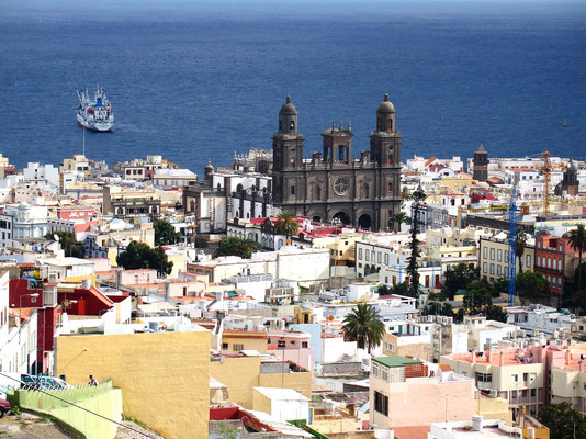 Las Palmas, Blick vom Stadtviertel San Francisco auf Vegueta mit der Kathedrale Santa Ana (1497-1570)
