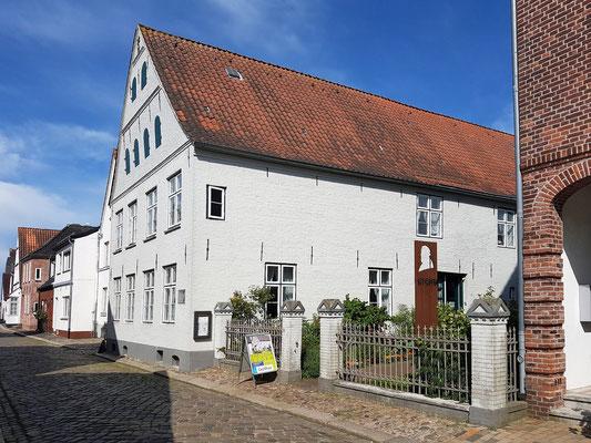 Von Theodor Storm bewohntes Haus in Husum, Wasserreihe 31; heute Storm-Museum, gebaut zwischen 1730 und 1750