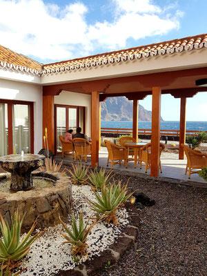 Parador de El Hierro, überdachte Terrasse