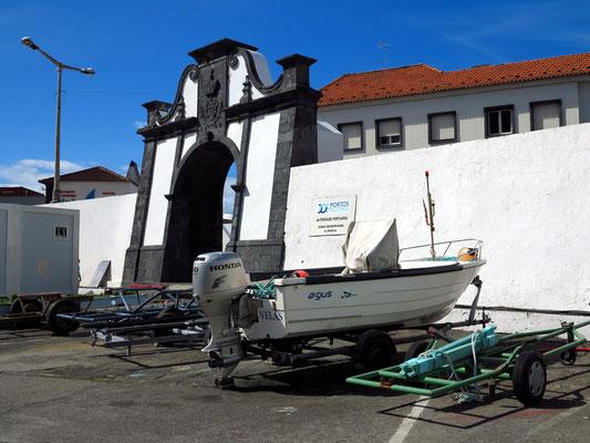 Portão do Mar, das einbogige Hafentor von 1799