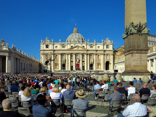 Generalaudienz am Mittwoch, den 3.10.2018, auf dem Petersplatz vor dem Petersdom
