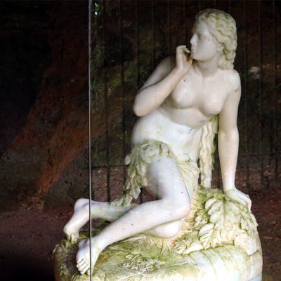 Eve's Grotto (Adamo Tadolini)