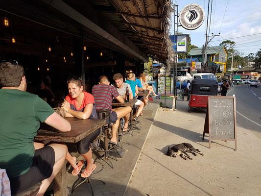 Chillen am Straßenrand von Ella: Starbeans Coffee