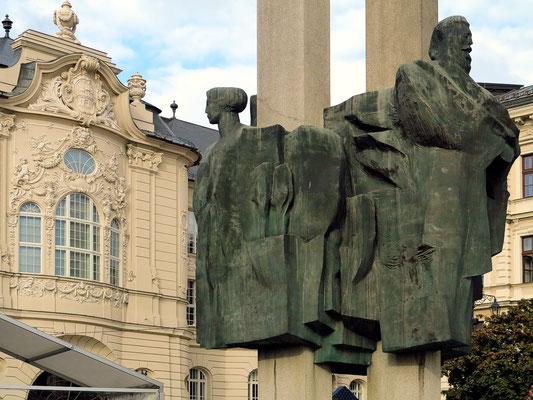 Skulptur vor der Slowakischen Philharmonie
