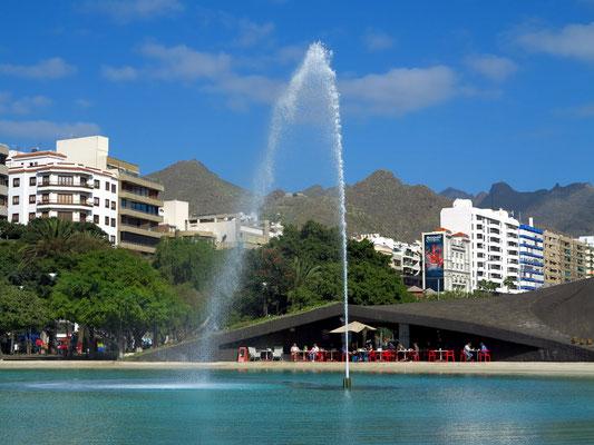 Fuente de la Plaza de España
