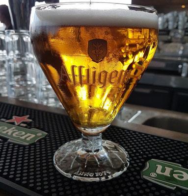 Affligem Blond. Die belgische Bierbrauerei gehört seit dem Jahr 2000 zum Brauereikonzern der niederländischen Heineken-Gruppe.
