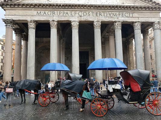 Vor dem Pantheon