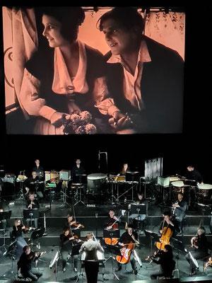 4.9.2021: Stummfilm Der müde Tod von Fritz Lang (1921, mit Lil Dagover als junge Frau und Walter Janssen als Bräutigam), Aufführung im Nationaltheater Weimar am 4.9.2021 mit der Staatskapelle Weimar
