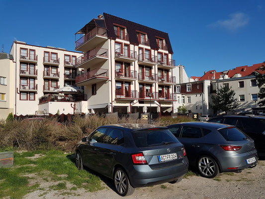 Parken im großen Innenhof des Hotels Ottaviano
