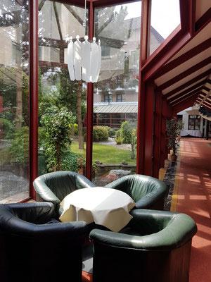 Brügge, Hotel Golden Tulip, Patio mit japanischem Garten