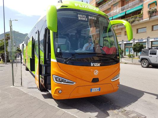 Flixbus am 6.6.2019 von Salerno, Piazza della Concordia (über Napoli) nach Bari (14:40 - 18:50 Uhr)