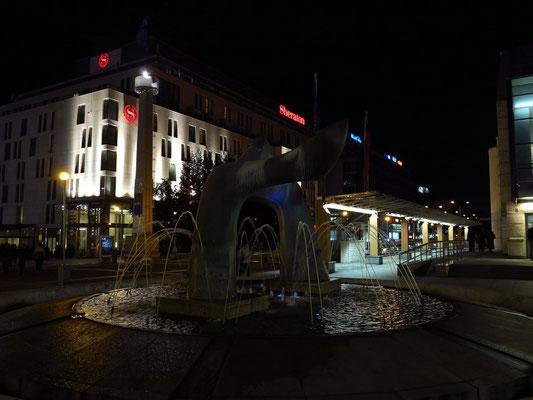 Neues Slowakisches Nationaltheater Bratislava, Blick zum Hotel Sheraton