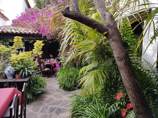 Patio des Restaurants Casa Santa María