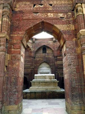 Mausoleum von Sultan Iltutmish mit Kenotaph