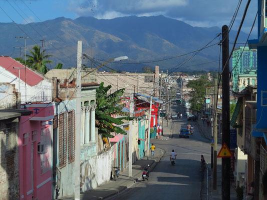 Blick von der Plaza de Marte in die Calle Aguilera nach O