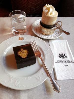 Kaffeepause im Café des Hotels Imperial
