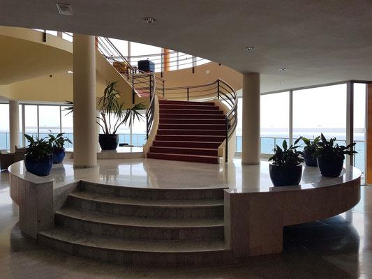 Best Semiramis, Lobby, reizvolle Architektur und Möblierung der 1970er Jahre
