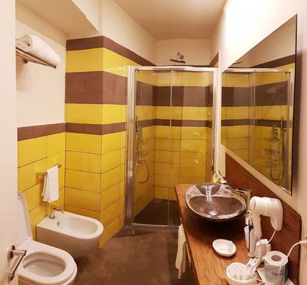 Casa MAO. Das Bad im Untergeschoss