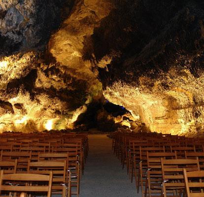 Konzertsaal in der Cueva de los Verdes