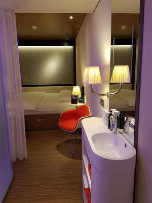 Typisches Hotelzimmer auf kleinstem Raum