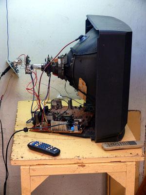 Reparatur eines Fernsehers