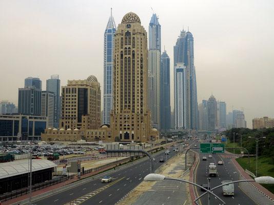 Blick aus der Monorail auf Dubai Marina