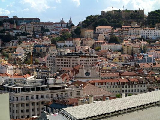 Blick zum Castelo de São Jorge
