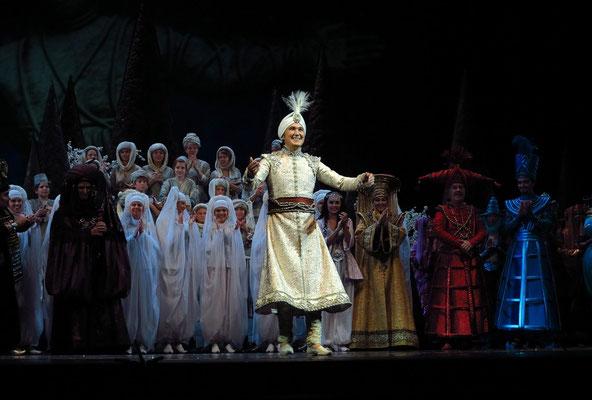 Stanislawski-Musiktheater, Aladino e la lampada magica, Applaus: Aladin als Prinz