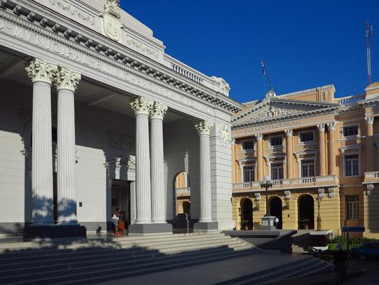 Museo Emilio Bacardí Moreau (links)