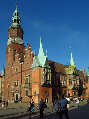 Rathaus auf dem Marktplatz (Rynek), gebaut an der Wende vom Spätmittelalter zur Frührenaissance