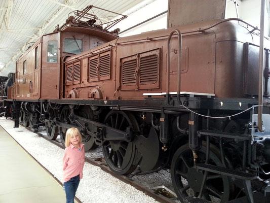 """Schwere Güterzuglokomotive """"Krokodil"""" der Schweizer Staatsbahnen"""