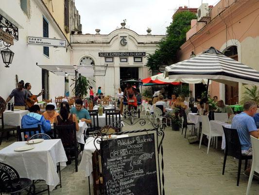 Durchgang zum Künstlerviertel und Paladar Doña Eutemia