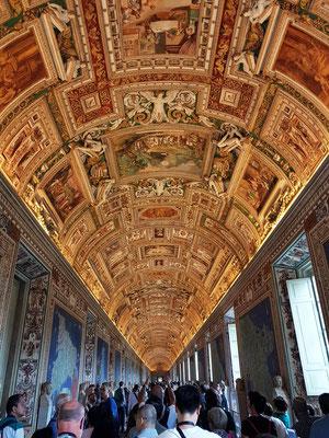 Galleria delle carte geografiche (Galerie der Landkarten) ist eine beeindruckende 120 Meter lange Prunkhalle.