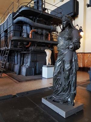 """Statue der Agrippina, Ehefrau und Nichte des Kaisers Claudius. Der Kopf auf dieser Statue ist ein Gipsabdruck des sogenannten """"Kopfes von Kopenhagen"""". Die Statue wurde im Claudius-Tempel auf dem Caelius-Hügel geweiht. Spätes 5. bis frühes 4. Jh. v. Chr."""