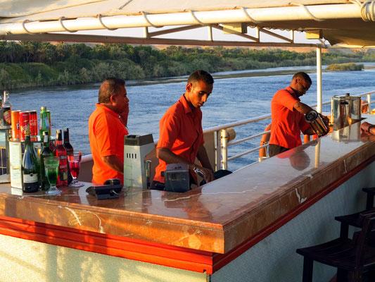 Die Bar auf dem Sonnendeck