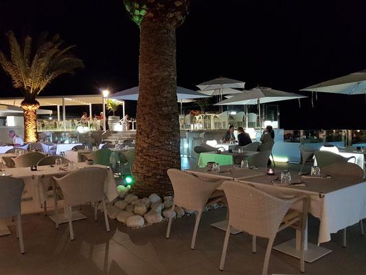 Restaurant Villa del Mare an der Costa Calma, sehr gepflegte Außenanlage