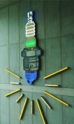 Leuchtwerbung für Isolator-Zündkerzen