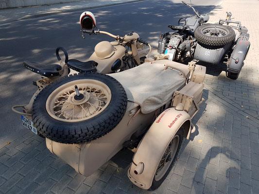 """BMW-Motorräder mit Beiwagen """"Wehrmacht"""""""