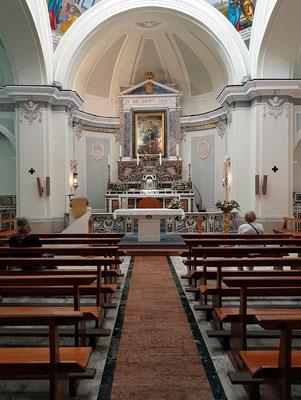 Hauptaltar in der Kirche Santuario S. Maria delle Grazie Incoronata